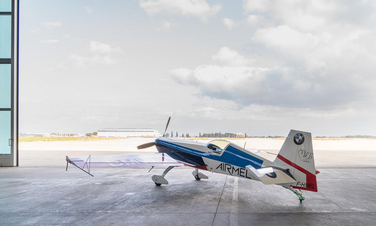 l'avion de Mélanie Astles prêt à prendre de l'altitude