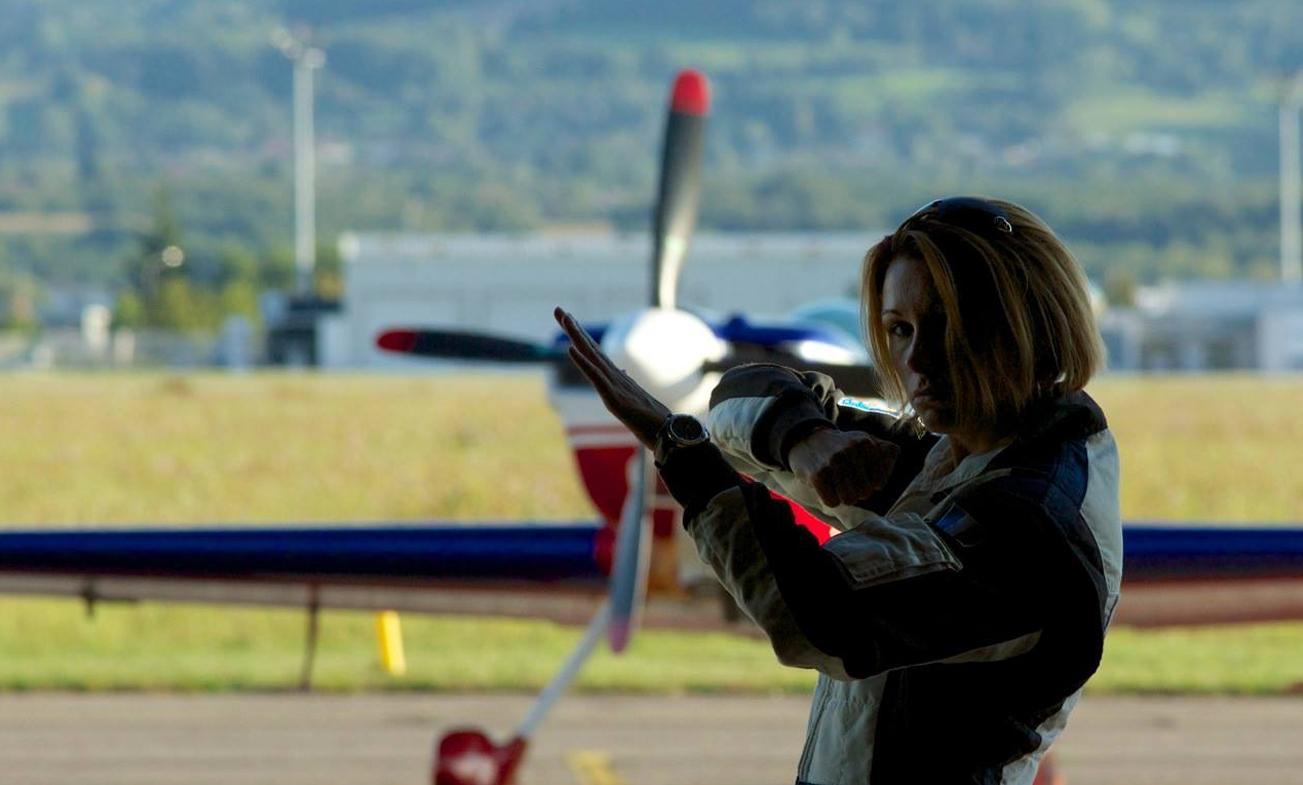 Mélanie Astles en entrainement avant un vol
