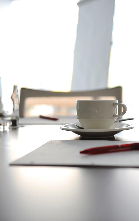 table de réunion de l'agence 3px